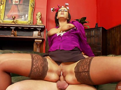 Milf gets on top of the dick and rides it in insane modes