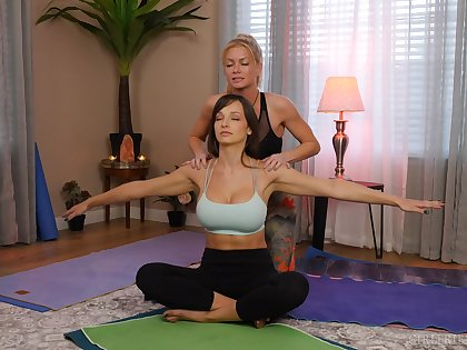 yoga lesson drives these chicks to a imbecilic oral play