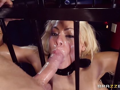 Thick babe puts clean out in be transferred to ass during a submissive anal shag