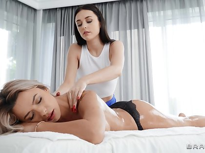 Massage leads the hot babes with reference to share unique moments pile up