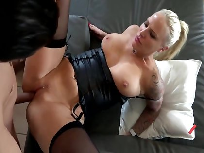 Lara Cumkitten Respecting Strapped With an increment of Obtainable To Fuck, I Am Your Woman