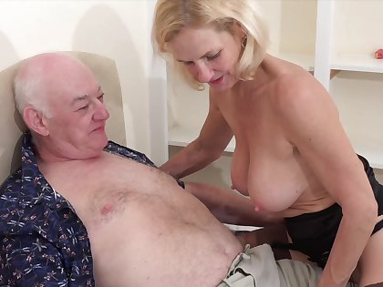 Older man with a stiff dick fucks his horny blonde join in matrimony Molly Macaras