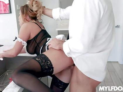 Closeness over the counter maid with big ass Mia Leilani is pounded hard