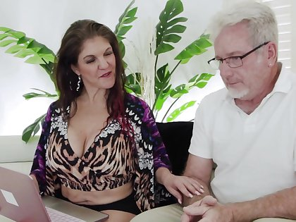 Shaved pussy wife Coralyn Jewel enjoys object fucked with reference to missionary